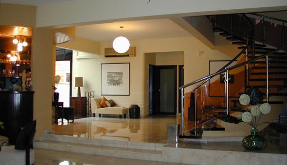 Philips Ave. - Interior